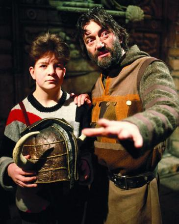 Treguard (Hugo Myatt) with the dungeoneer from the Knightmare pilot episode.
