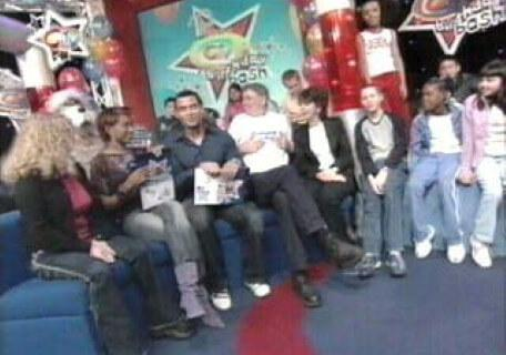 Knightmare on CITV Birthday (2003). CITV presenters Michael and Leah with a crowd of children.