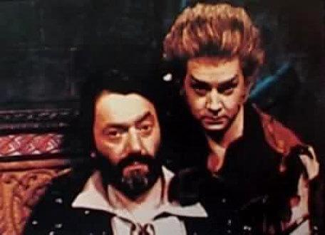 A 1990 character shot of Treguard (Hugo Myatt) and Pickle (David Learner).