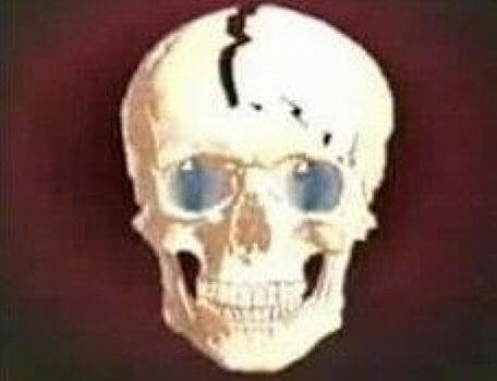 Image of the skull dead sequence for the Knightmare RPG