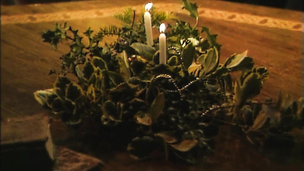 End of Series 4. Merlin creates a wreath of candles to signify Christmas.