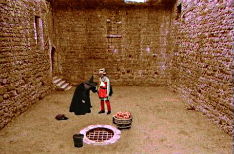 One of the 'basement' chambers in the second series of El Rescate del Talisman.