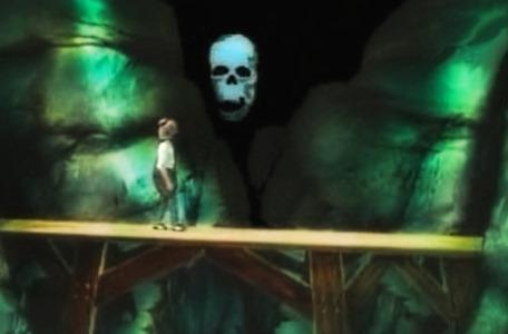 Knightmare Series 3 Team 9. Scott attempts to pass beneath a skull on the bridge.