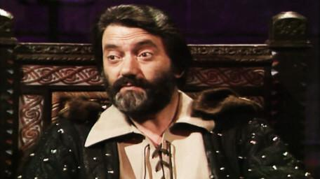 Treguard the Dungeon Master, played by Hugo Myatt. As seen in Series 4 of Knightmare (1990).