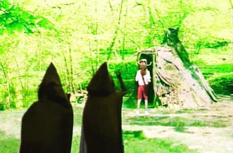 Knightmare Series 5 Team 5. Jenna is followed by assassins through Wolfglade.