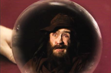 Knightmare Series 5 Team 5. A view of Sylvester Hands through Lord Fear's globe.