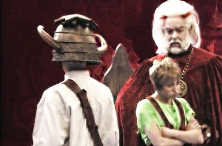 Knightmare Series 5 Team 6. Hordriss tries to help Elita who has lost her voice.