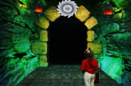 Knightmare Series 8 Team 2. Daniel arrives at a corridor with a spinning blade.