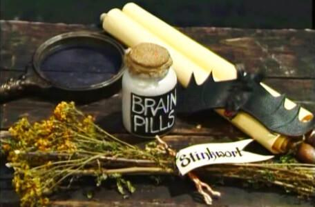 Knightmare Series 8 Team 4. The Level 2 clues include a bat and a jar of brain pills.