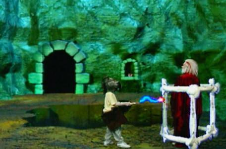 Knightmare Series 8 Team 6. Dunstan uses his reach wand to release Hordriss from the body cage.